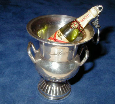 small Champagne's bucket